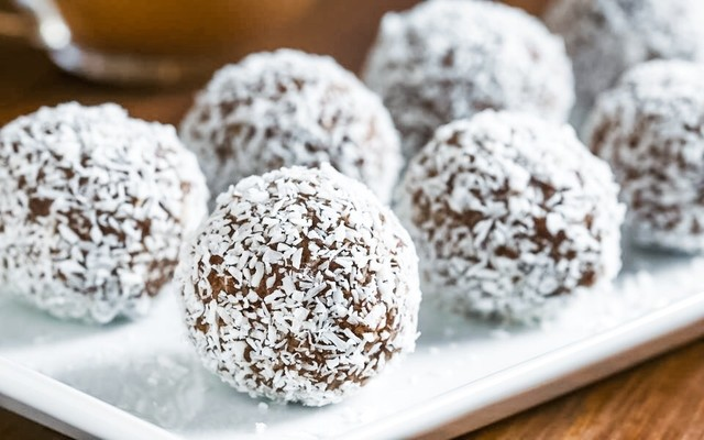 Easy Sugar Free Delicious Choc Balls – Perfect for the sweet tooth!